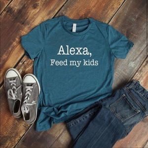 🙏🏼Alex, feed my kids🙏🏼 Plus size graphic tees!